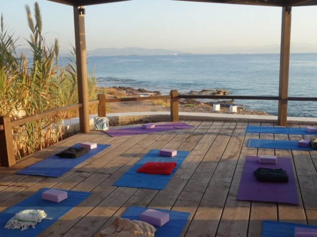 Yoga Ιrides hotel Ægina