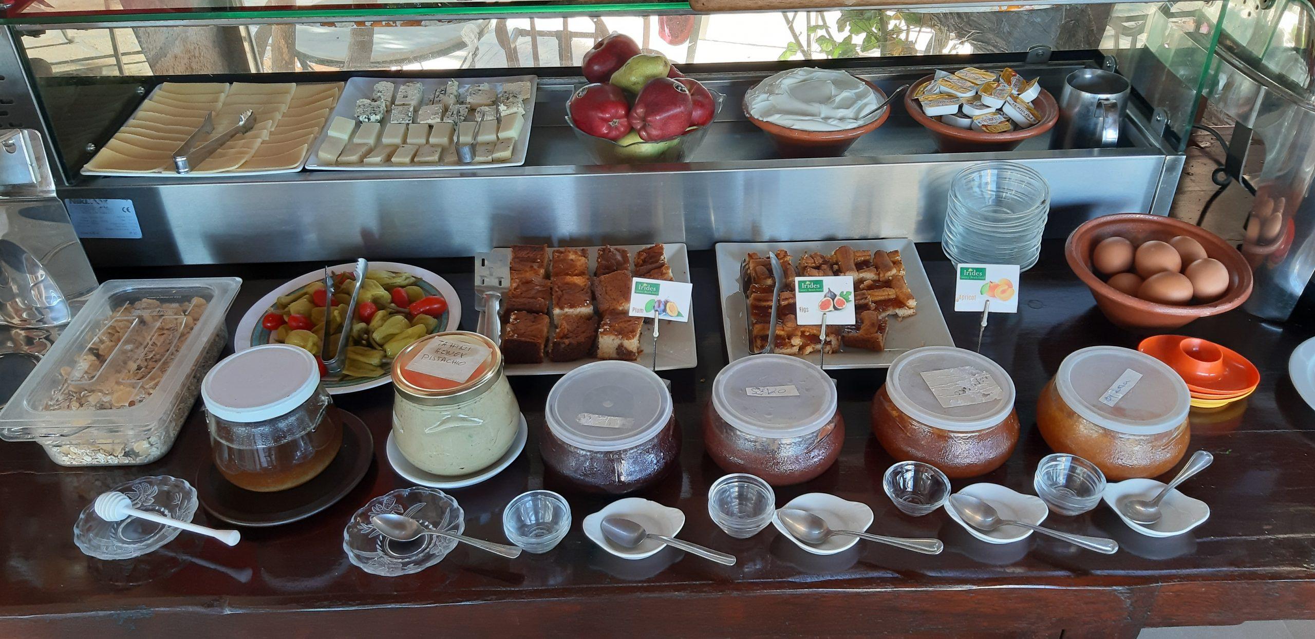 Ιrides hotel Ægina morgenmadsbuffet