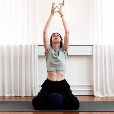 Evi yoga teacher